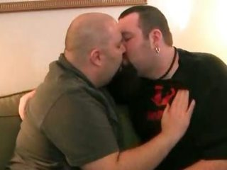 Two fat gay bears suck off some steam part1 / 501