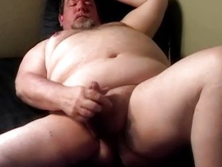 Daddy Hung Chubby Bear / 212