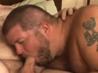 Bear fucks his boyfriend / 155