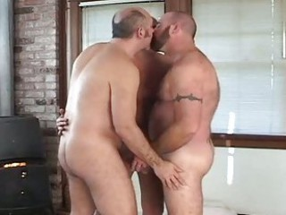 Fat gay bears fucking in hot threesome / 1402